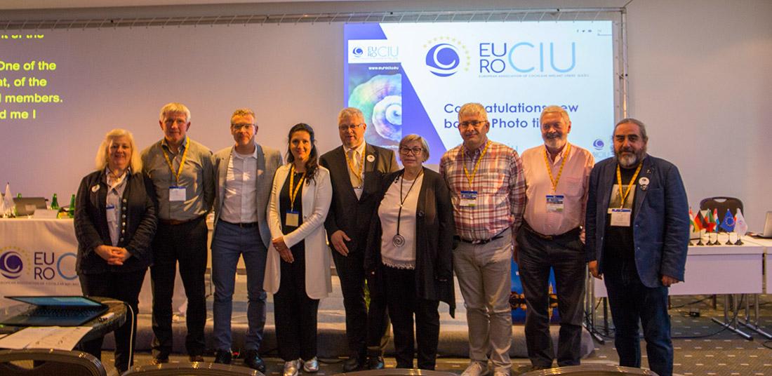 Fotografía de los componentes de la Junta Directiva de EURO-CIU