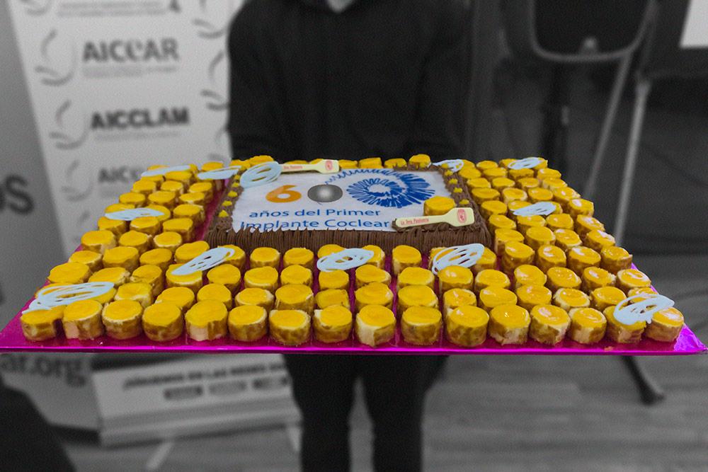 Tarta de cumpleaños del 60 aniversario del 1er Implante Coclear