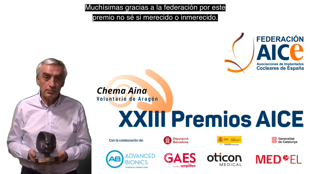 D. Chema Aína, de la Junta Directiva de AICE-Aragón, agradeciendo el Premio AICE 2020 al Voluntariado