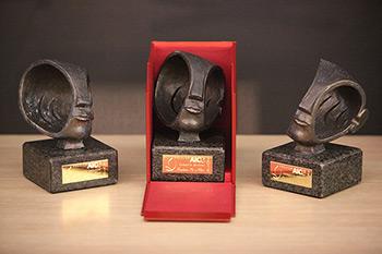 Imagen de la escultura de los premios Federación AICE